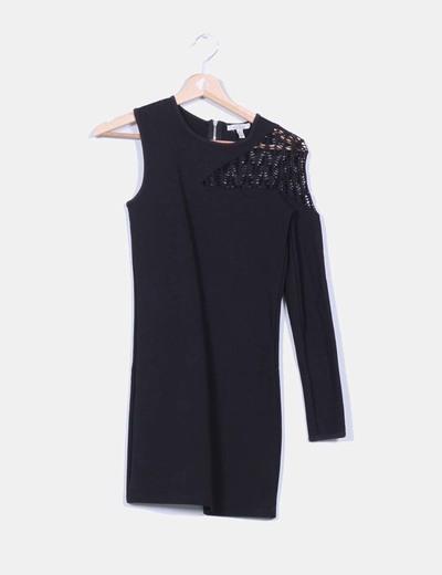 Vestido negro escote asimétrico Zara
