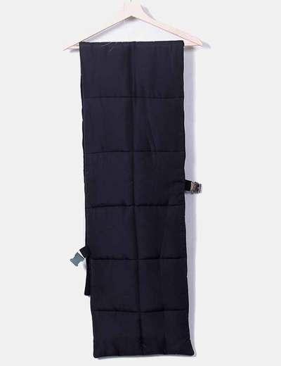 Bufanda negra acolchada Zara