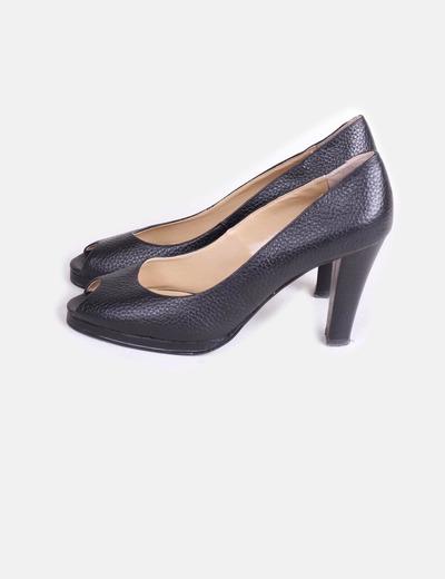 Zapato de piel texturizado