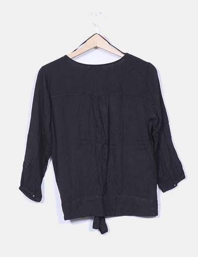 Blusa negra manga francesa con lazo