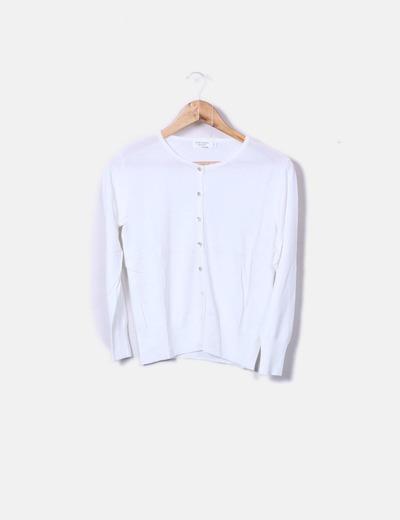 Suéter tricot blanco botones perla