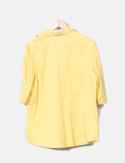 Camisa satinada amarilla