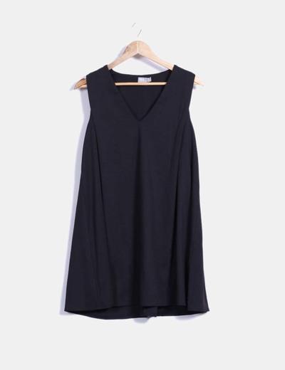 Vestido negro con caída cuello en pico Asos