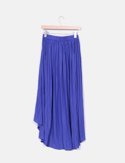 Falda midi azul klein corte asimetrico