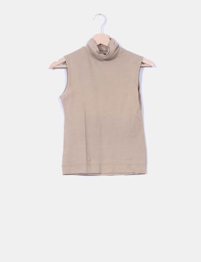 Top beige cuello vuelto  Zara