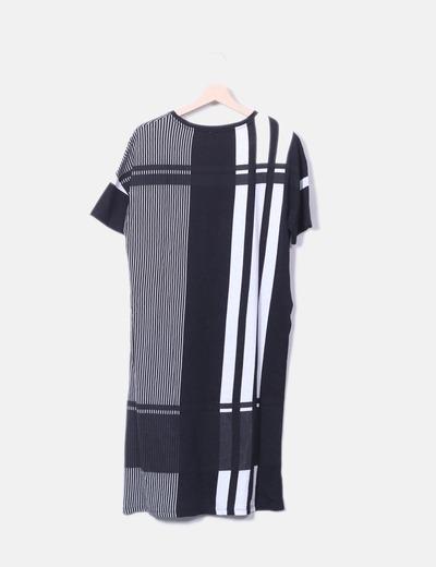 fd5f968017a6 Zara Gestreiftes asymmetrisch geschnittenes T-Shirt (Rabatt 55 ...
