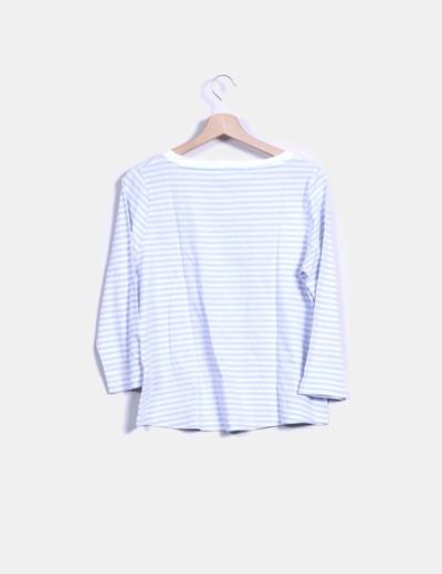 Camiseta a rayas blanco y azul