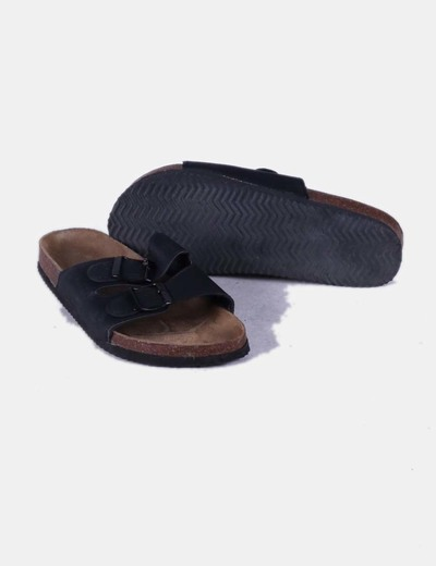 Sandalia plana destalonada negra