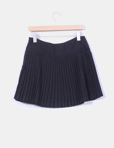 Mini falda negra de ante con tablas