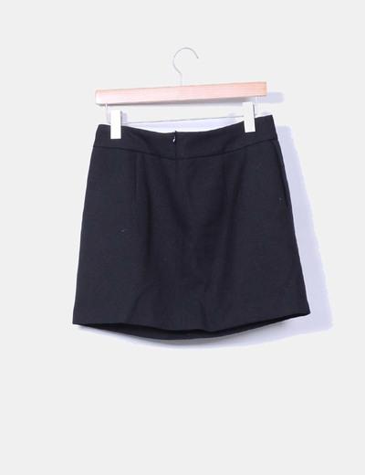 Falda pique negra con vuelo