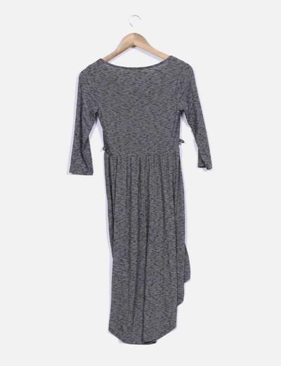 Vestido de color gris