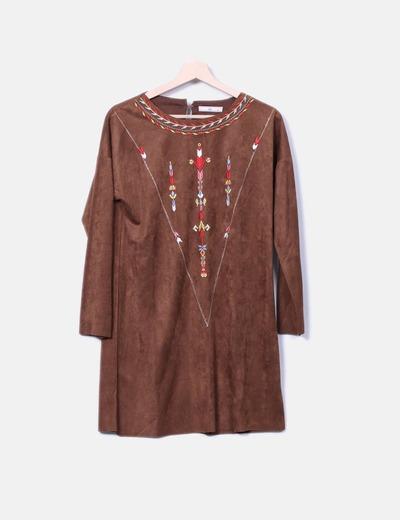 Vestido midi de ante marrón con bordado lm