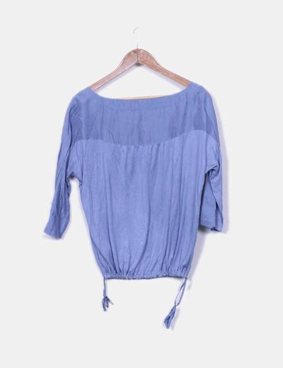 Blusa azul satinada