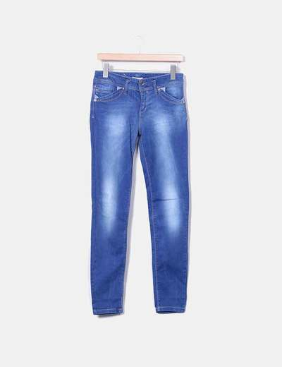 Jeans denim pitillo tiro alto