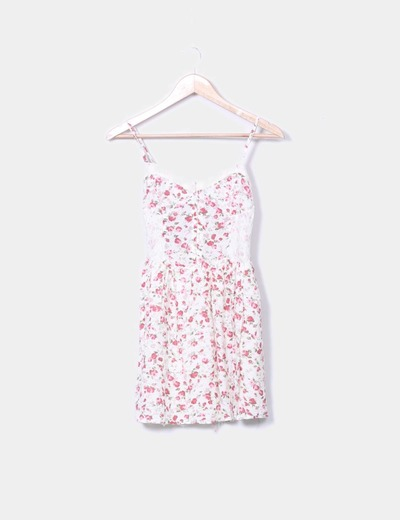 Vestido blanco roto con estampado floral