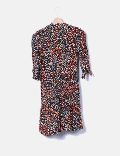 Vestido marron floral con botones