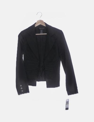 Blazer negra detalles plisados