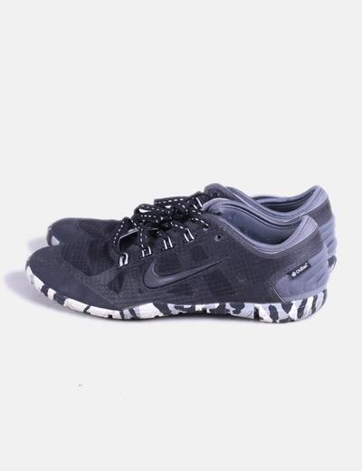 Chaussures noires de sport Nike