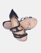 Sandalia plana negra de antelina Bershka