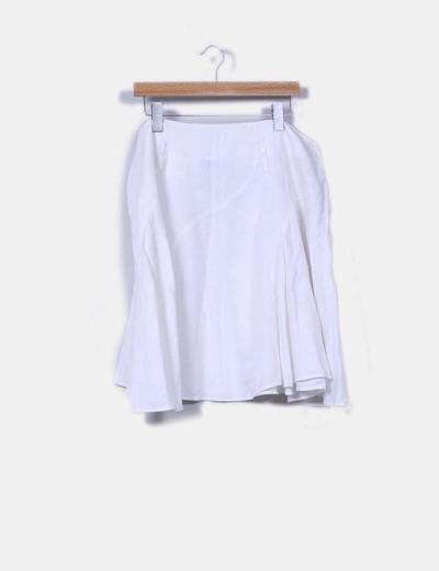 Falda blanca de linocon vuelo Yessica