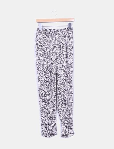 Pantalón animal print Zara