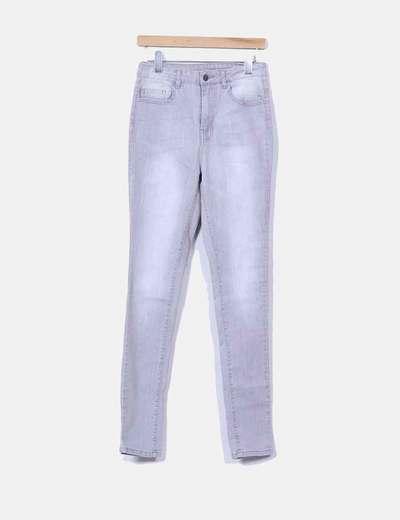 Pantalón pitillo grisáceo Pieces