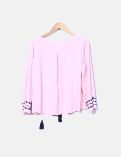 Blusa rosa con estampado etnico