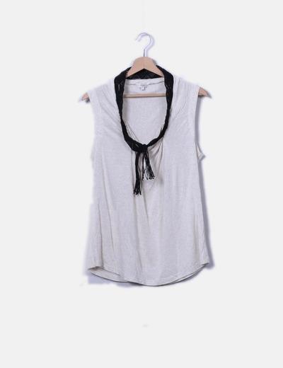 Camiseta cuello flecos Hoss Intropia