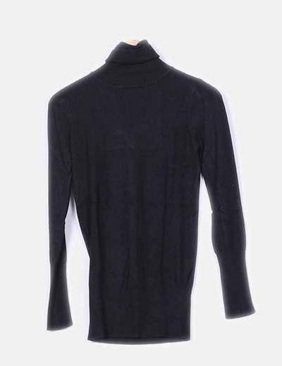 Suéter punto fino cuello cisne  Zara