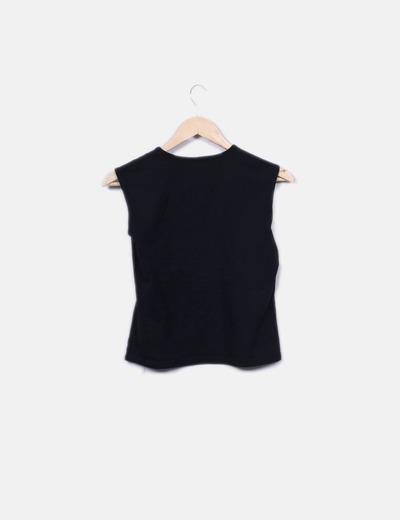 Camiseta negra manga sisa con pailettes