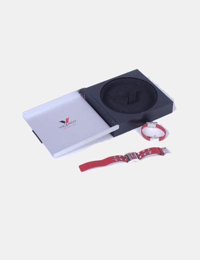 Conjunto de reloj y pulsera rojos