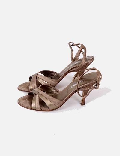 Sandalias doradas Gloria Ortiz