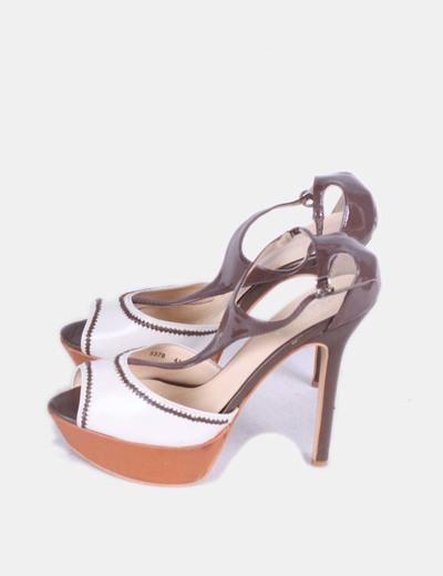 Sandalia beige y marrón con plataforma Belle Women