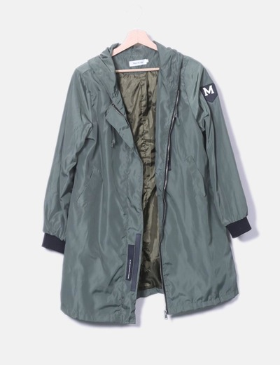 Chubasquero verde con capucha Man ni sha