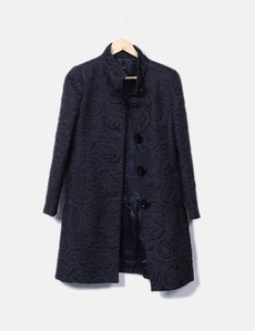 56a29812c6f Abrigo negro bordado Pedro del Hierro