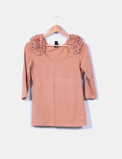 Camiseta camel detalle en hombros H&M