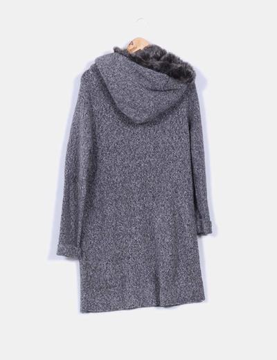 Abrigo largo capucha zara