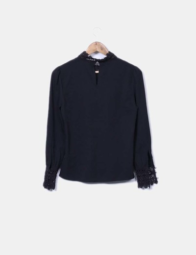 Blusa escote crochet