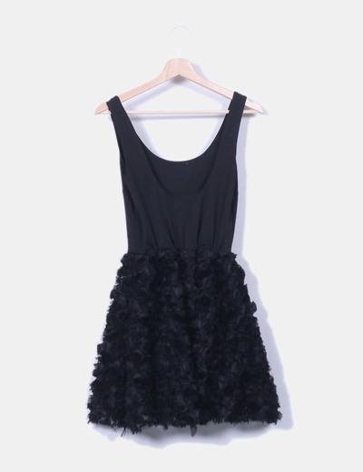 Vestido negro combinado falda rosetones