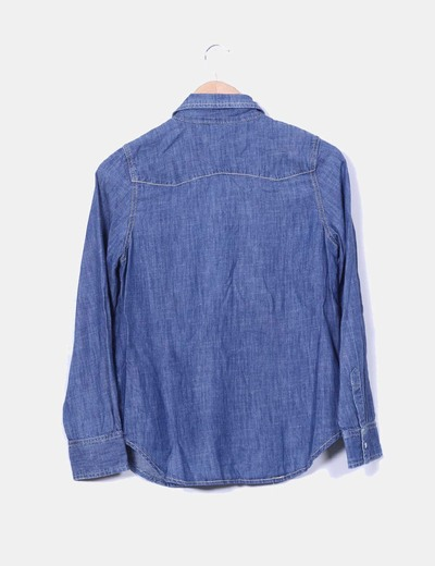 Camisa vaquera tono medio