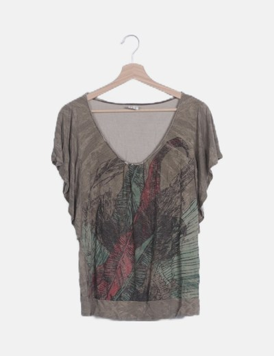 Camiseta marrón print plumas