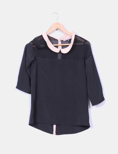 Blusa negra con cuello color nude Bershka