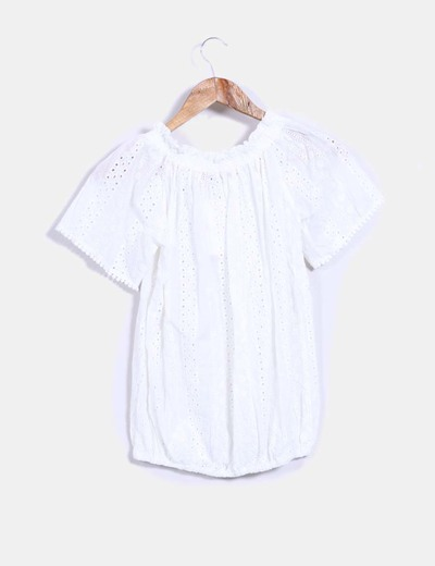 Blusa guipur blanca abullonada