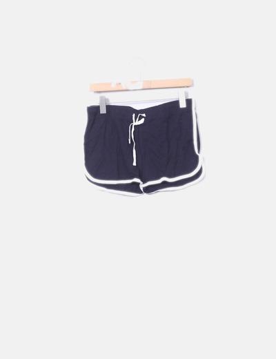 Primark Dunkelblaue Shorts mit weißem Streifen (Rabatt 84 %) - Micolet d00b76bd0c