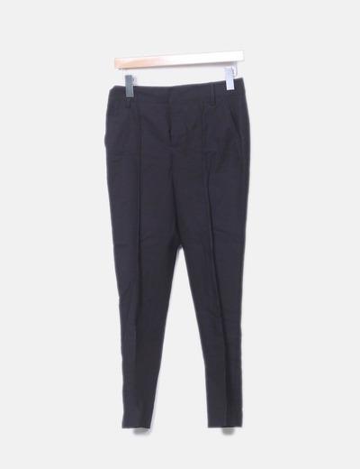 Pantalón chino negro pitillo