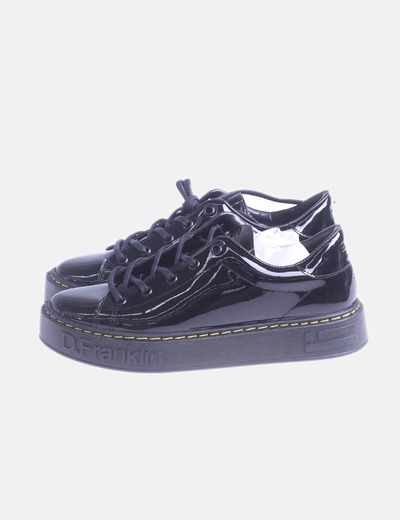 Zapato negro charol de cordones