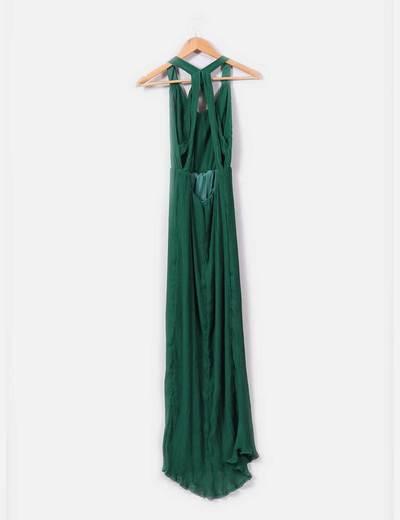 Vestido verde con espalda descubierta