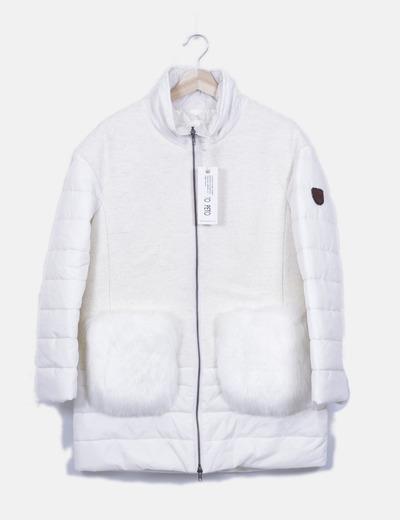 Abrigo blanco acolchado