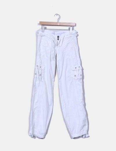 Pantalón blanco sport detalle bolsillos Bershka