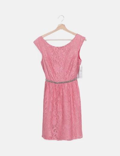 Vestido encaje rosa cinturón strass